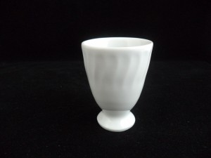 1209 egg cup h=7